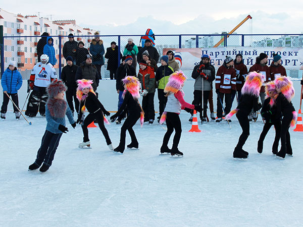 Вмикрорайоне «Заря» открылась хоккейная площадка