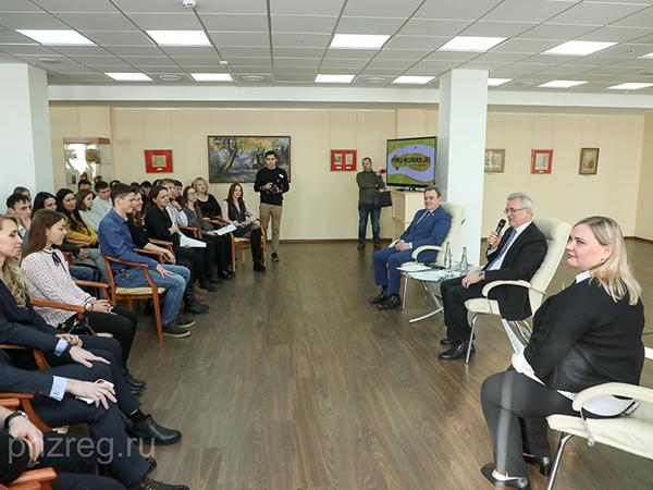 Студенческие семьи нуждаются в особой поддержке, - Иван Белозерцев